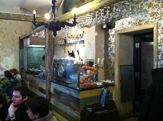 Papa Giovanni: the bar