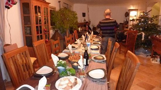 Bastide des Eucalyptus : la table nous attends pour un très bon repas