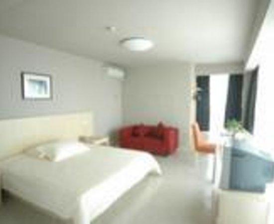 Jingyuan Zhishang Sheji Hotel Qingdao Xianggang Middle Road: Huake Business Hotel Thumbnail