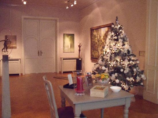 La Galleria: La Galleria view from your table
