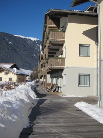 Dolomit Family Resort Garberhof : Outside view of the chalets