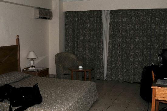 Mitsis Petit Palais Beach Hotel: Hotel Room