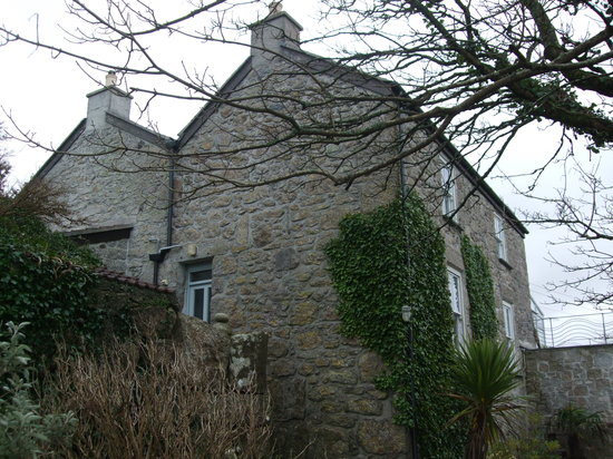 Tregeraint House: the house from outside