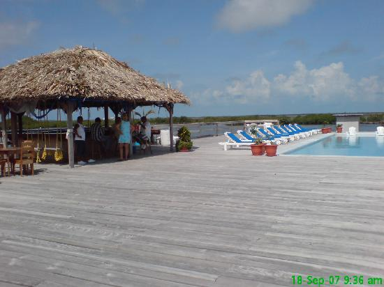 Reef Village Resort: reef village bar