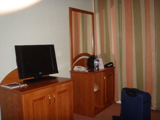 Baross City Hotel: Habitación