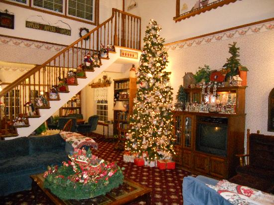 Apples Bed and Breakfast Inn: Christmas at Apples