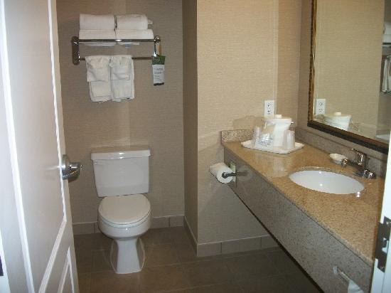 Comfort Inn & Suites Dover: Spic and Span