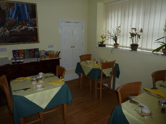 9 Green Lane: Part of the breakfast area