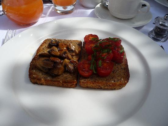 twentytwo: My delicious breakfast!