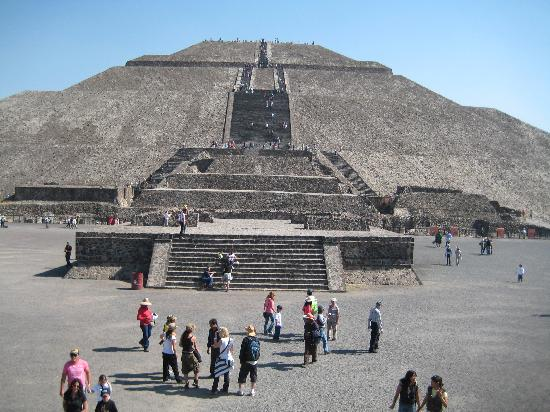 Royal Cars and Tours: Teotihuacan, Luis Talavera's specialty