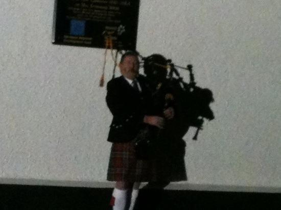 Sperrin View Cottages: Bert the piper