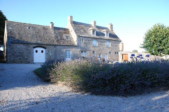 Manoir de l'Epine: Giardino interno e Manoir
