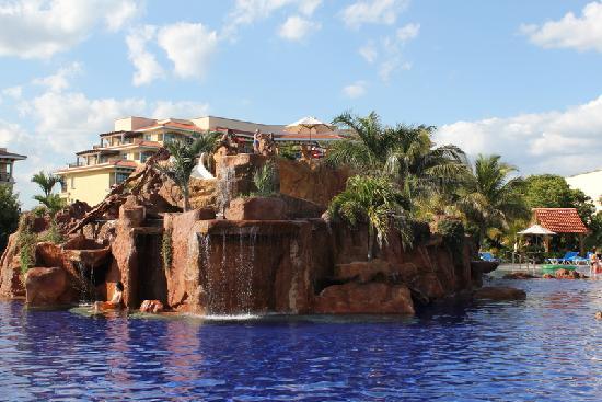 Hotel Marina El Cid Spa & Beach Resort : Cliff Jumping and Water Slide