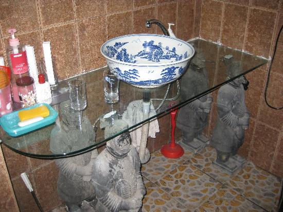 Warriors Apartment: Warriors holding up the bathroom counter