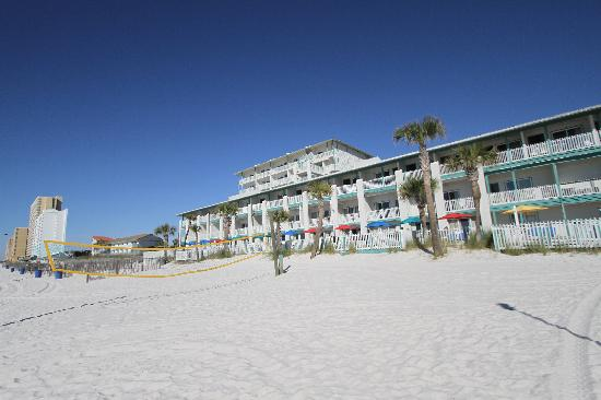 The Sandpiper Beacon Beach Resort: right on the beach