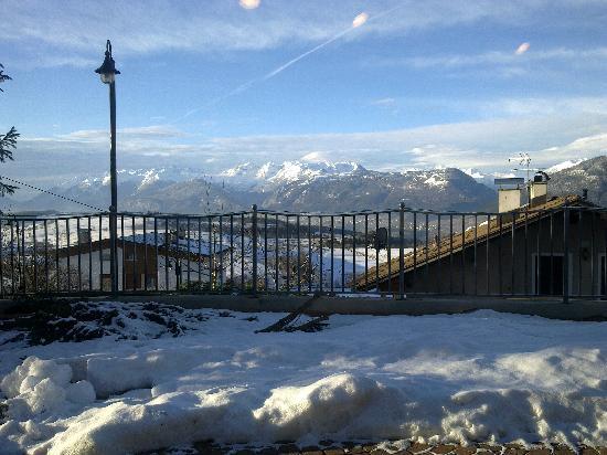 Hotel La Montanina: Vista dalla zona ristorante 1