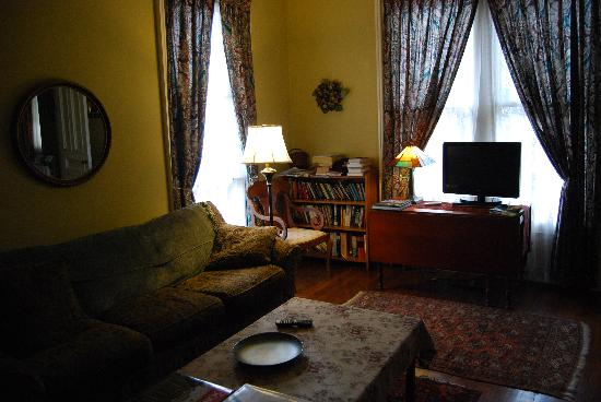Carruth House: Private Living Room