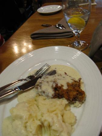 Dobyns Dining Room: Country Fried Steak and Mashed Potatoes