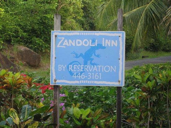 Zandoli Inn: Entrance