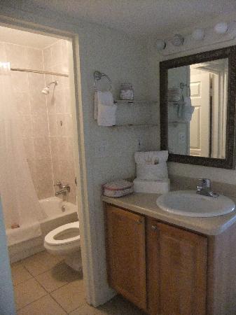เมจิคทรี รีสอร์ท: Bathroom