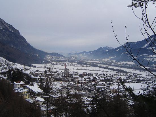 Hotel Schwarzbrunn: Vue Stans et vallée