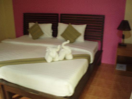 Sunda Resort: Towel elephants