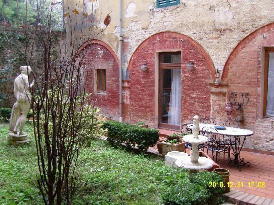 Siena B&B Hospitality: Corte interna