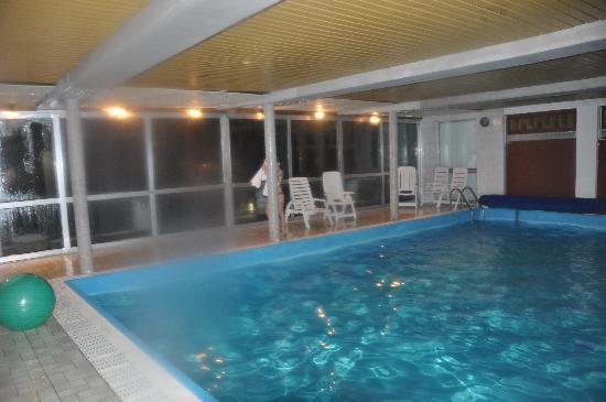 Hotel Gonzlay: la piscine