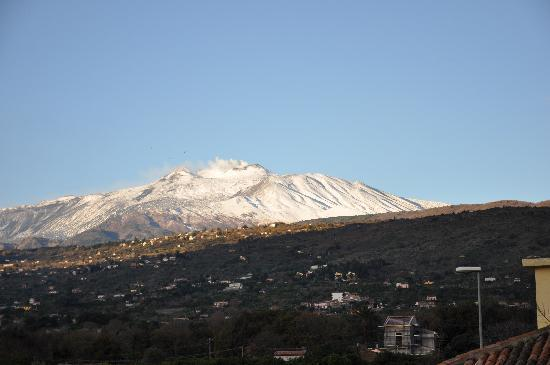Фьюмефреддо-ди-Сицилия, Италия: View of Etna