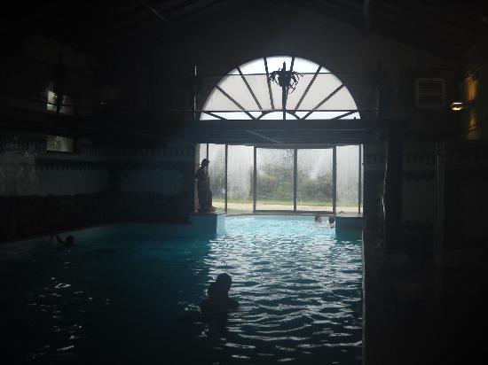 Buonconvento, Italia: La piscina coperta