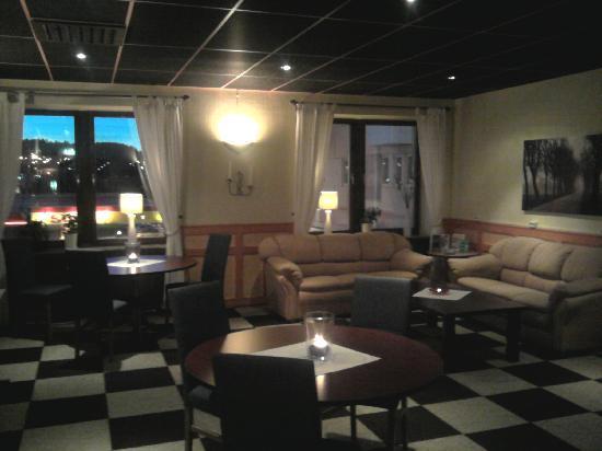 Euroway Hotel: Lobbyn