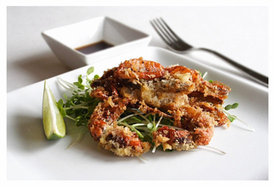 Wanara Eatery: soft shell crab salad