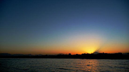 ฮูร์กาดา, อียิปต์: Sonnenuntergang über Hurghada