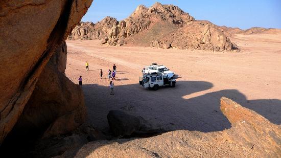 Zwischenstopp in der Wüste westlich von Hurghada