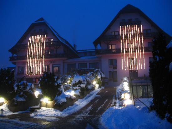 Klingenthal, France: Vue extérieure hôtel en hiver