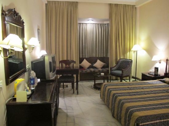 KK Royal Hotel & Convention Center: The double room