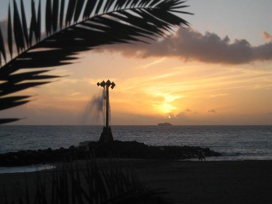 Tenerife Royal Gardens: Playa las Vista sunset