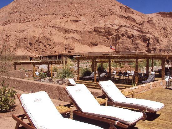 Alto Atacama Desert Lodge & Spa: Terrazas y piscinas