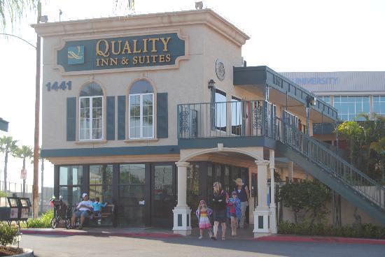 Quality Inn & Suites - Anaheim Resort: hotel 2