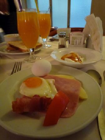 Adrian Hotel: 朝食