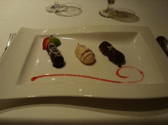 Iberostar Grand Hotel Rose Hall: desserts in the gourmet