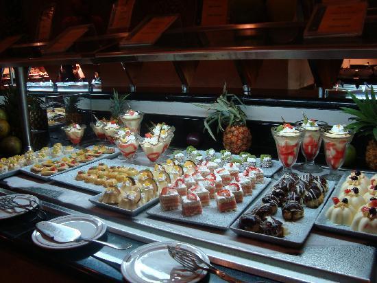 Iberostar Grand Hotel Rose Hall: dessert buffet