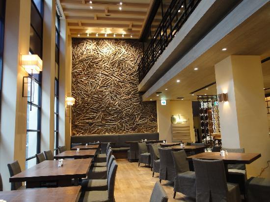 พลาซ่า โฮเต็ล เทนจิน: レストラン