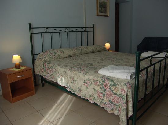 Casa di Iginia e Paolo Bed & Breakfast: camera bagno condiviso shared bathroom