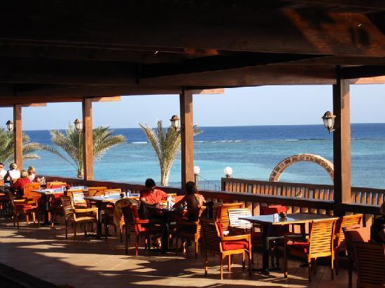 CLUB CALIMERA Habiba Beach : Terrasse des Restaurants