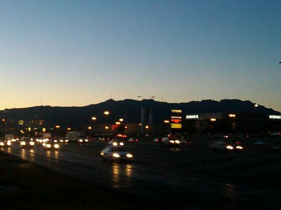 La Quinta Inn El Paso - Airport: Mountain sunset view from La Quinta