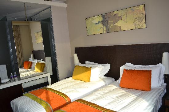 Park Regis Singapore: Wonderful Rooms and beds.