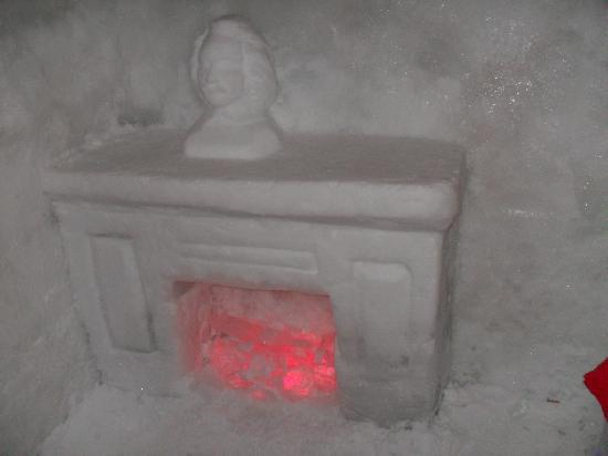 Ice Hotel Romania: this will keep you warm !