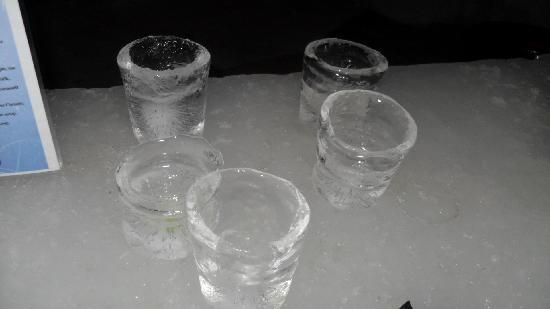 Ice Hotel Romania: glasses