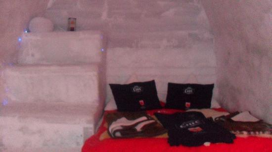 Ice Hotel Romania: bedroom